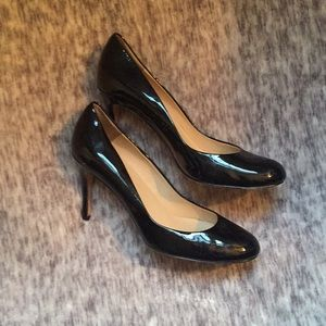 Ann Taylor black patent leather heel, 8.5